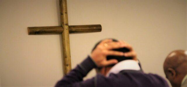 Oro, sorg och ilska över konvertiternas svåra situation