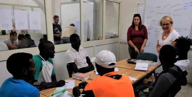2000 år senare fortsätter människor att söka sin flykt över Medelhavet till Malta