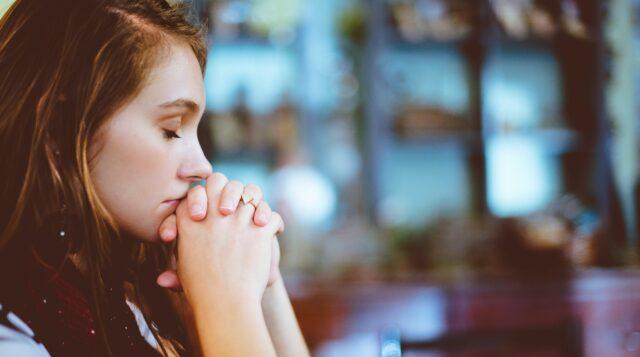 Ny rapport: Varannan kristen ungdom upplever sig kränkt för sin tro