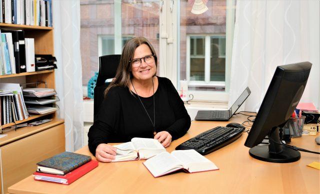 """Karin Wiborn: """"Vilka åtgärdspaket vill regeringen presentera för Sveriges trossamfund?"""""""