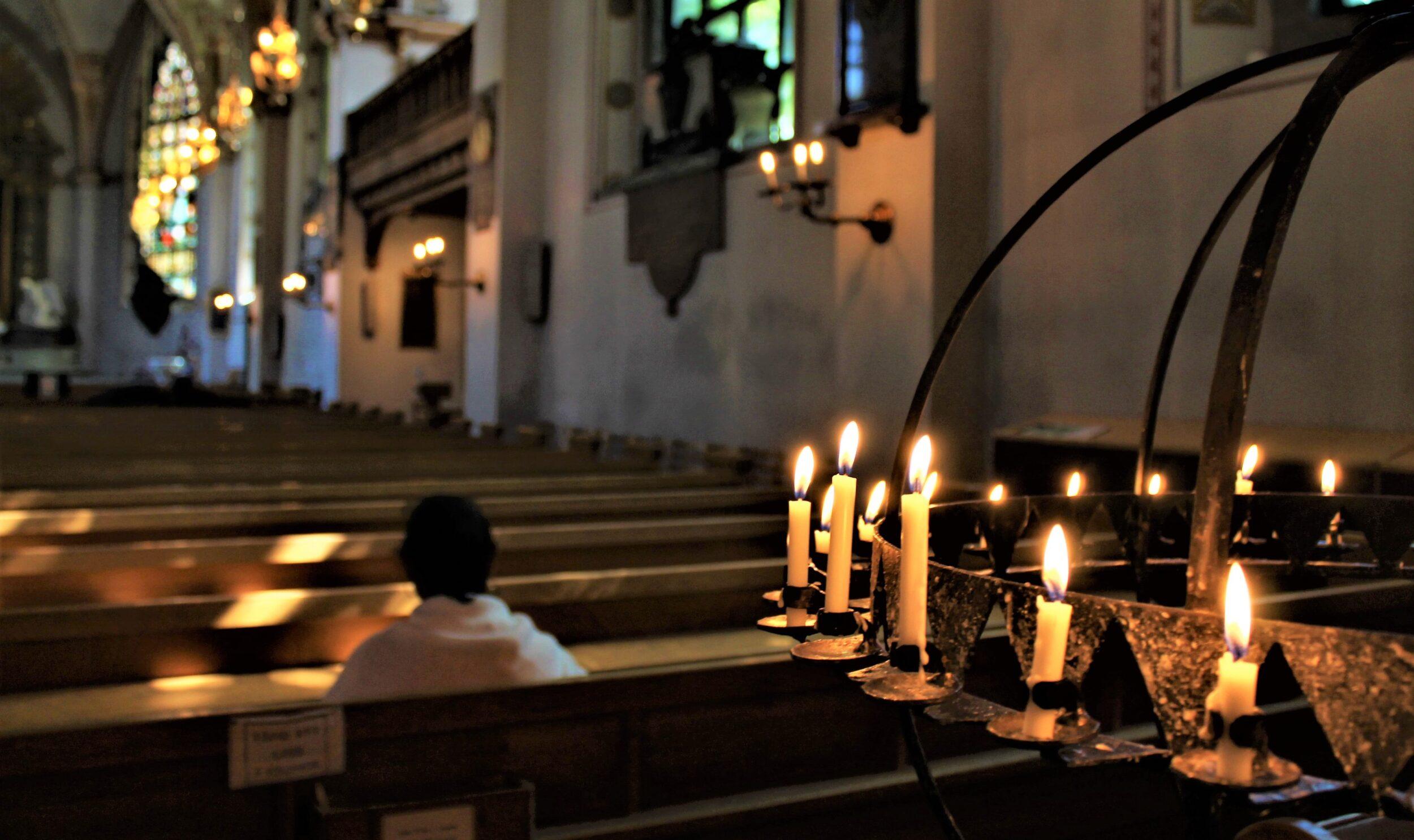 Kyrkorna identifierar åtta särskilt utsatta grupper under coronapandemin i ny rapport